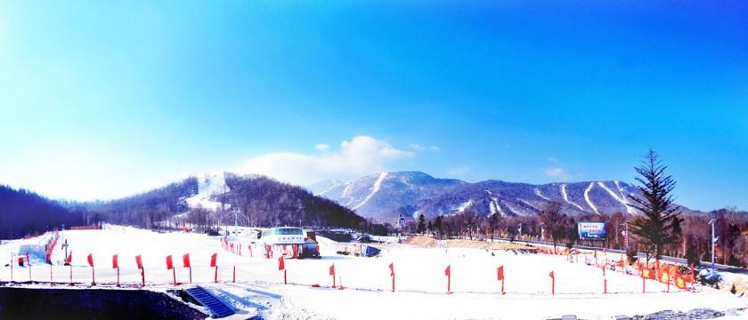 滑雪旅游美景